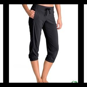 Athleta cropped joggers, size 8 Super Nice!